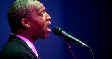 Unul din cei mai apreciaţi vocalişti americani de soul-jazz vine în concert în Mureş (G)